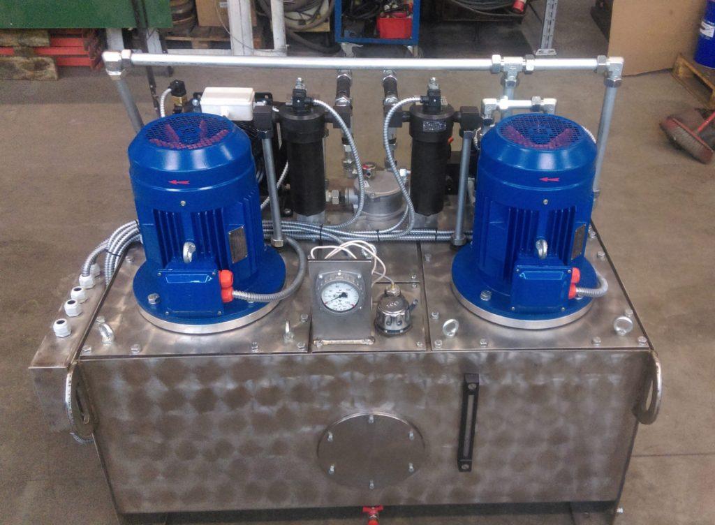 Гидростанция для фурменного устройства кислородно конвертерных цехов